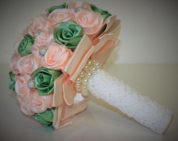 Как сделать букет для невесты из атласных лент