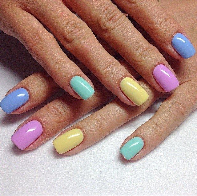 Фото дизайн ногтей разного цвета