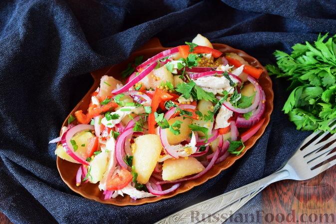 Салат с курицей и маринованным луком картофель