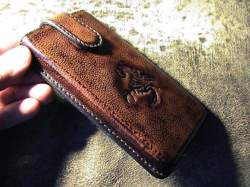 Как сшить чехол из кожи для смартфона