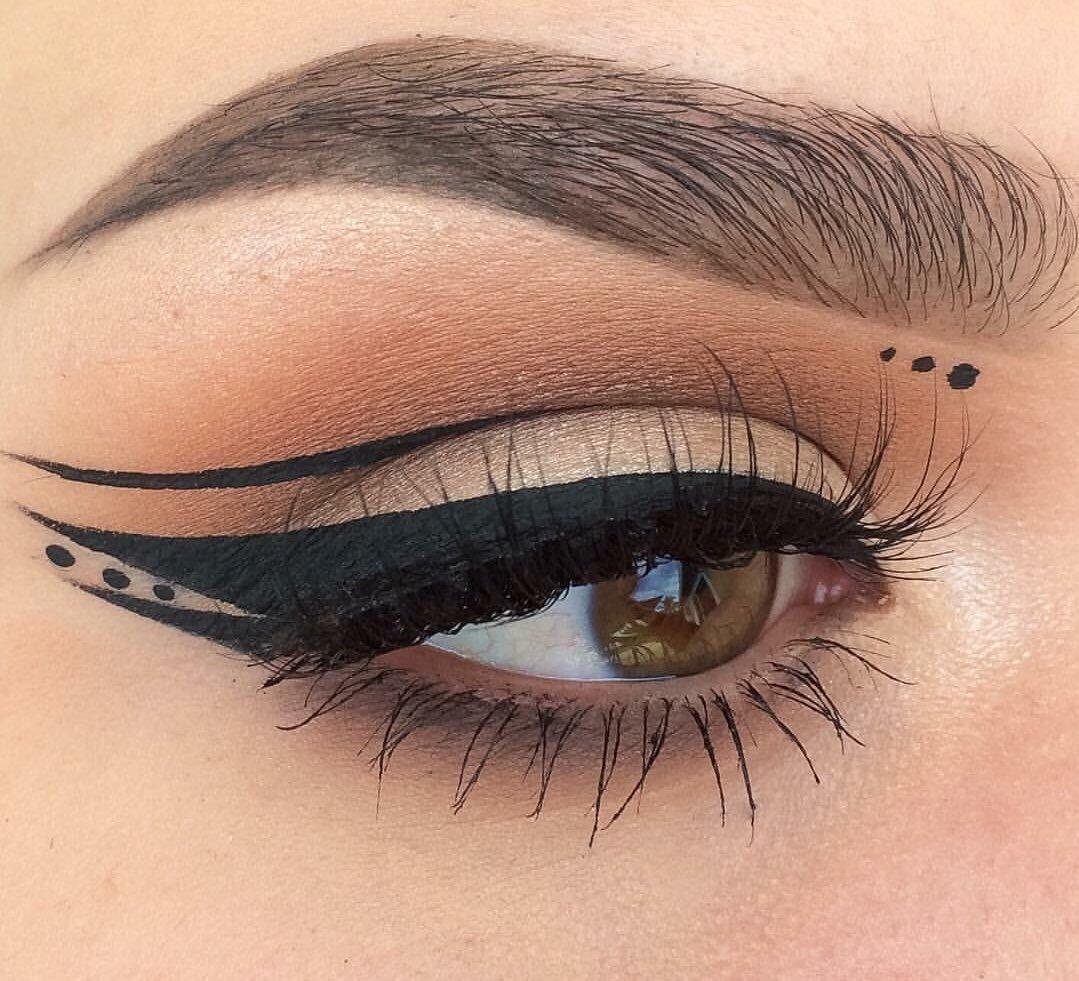 Макияж глаз египетские стрелки