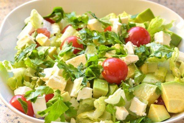 С вкусные салаты с авокадо