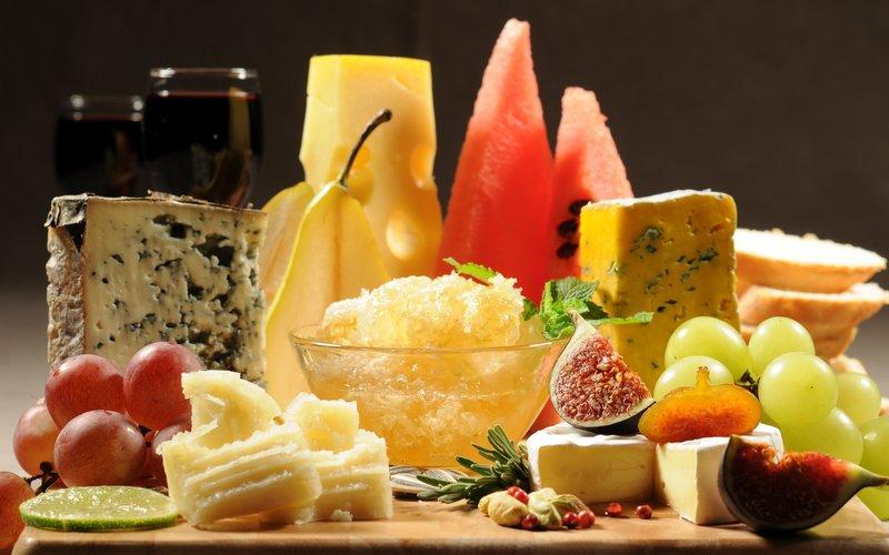 Сыр король сыров 50% пирятин 1кг