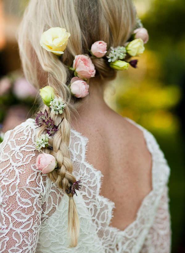 Прическа цветы в косе