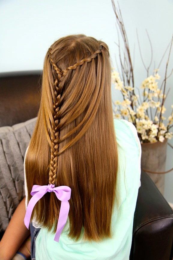 Несложная прическа на длинные волосы для девочек