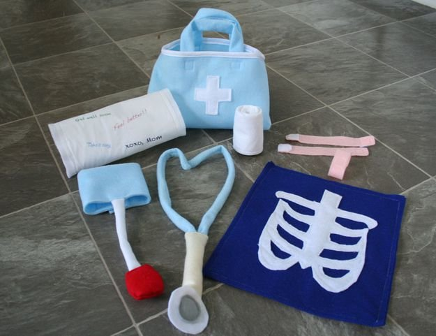 Набор доктора для детей своими руками 8