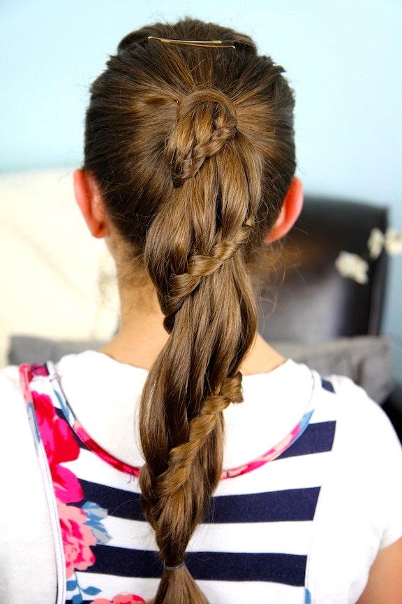 Причёска сердечко на хвосте