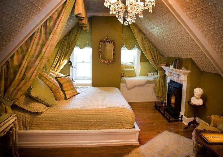 Интерьер маленькой спальни в частном доме фото своими руками