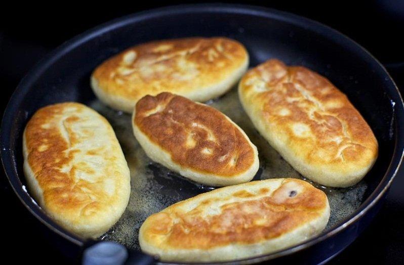 пирожки с картошкой на сковороде без дрожжей на молоке рецепт