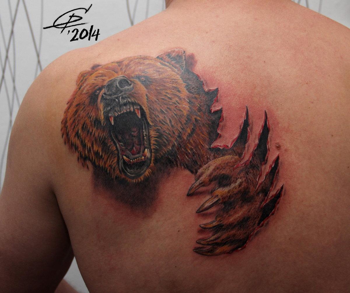 Тату медведь на лопатку фото
