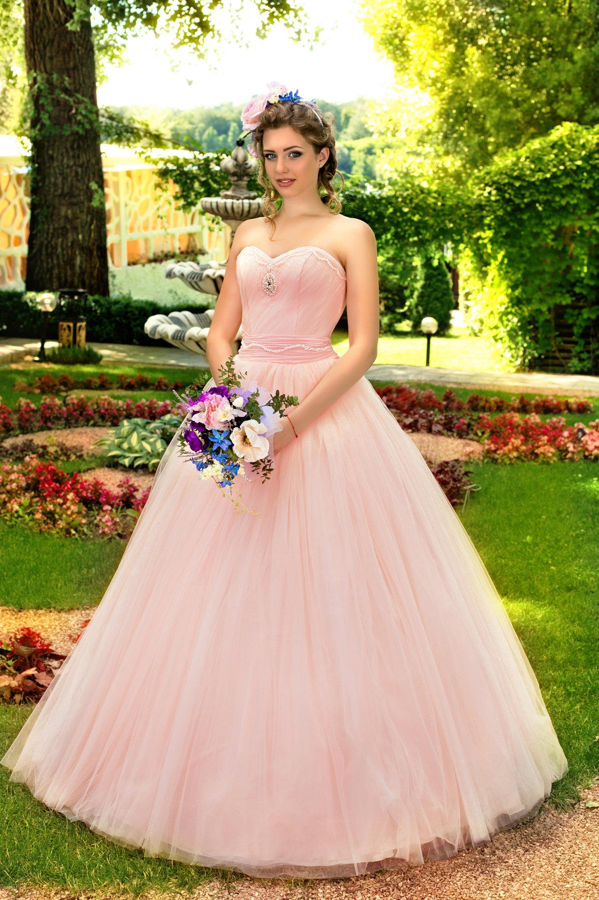 Свадебное платье цвет пудры