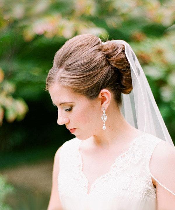Причёски с фатой свадебные простые
