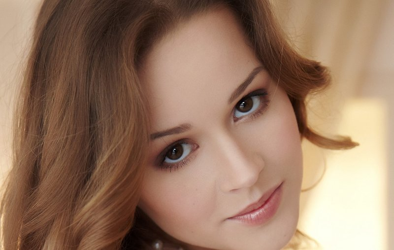 Фото естественного макияжа для карих глаз