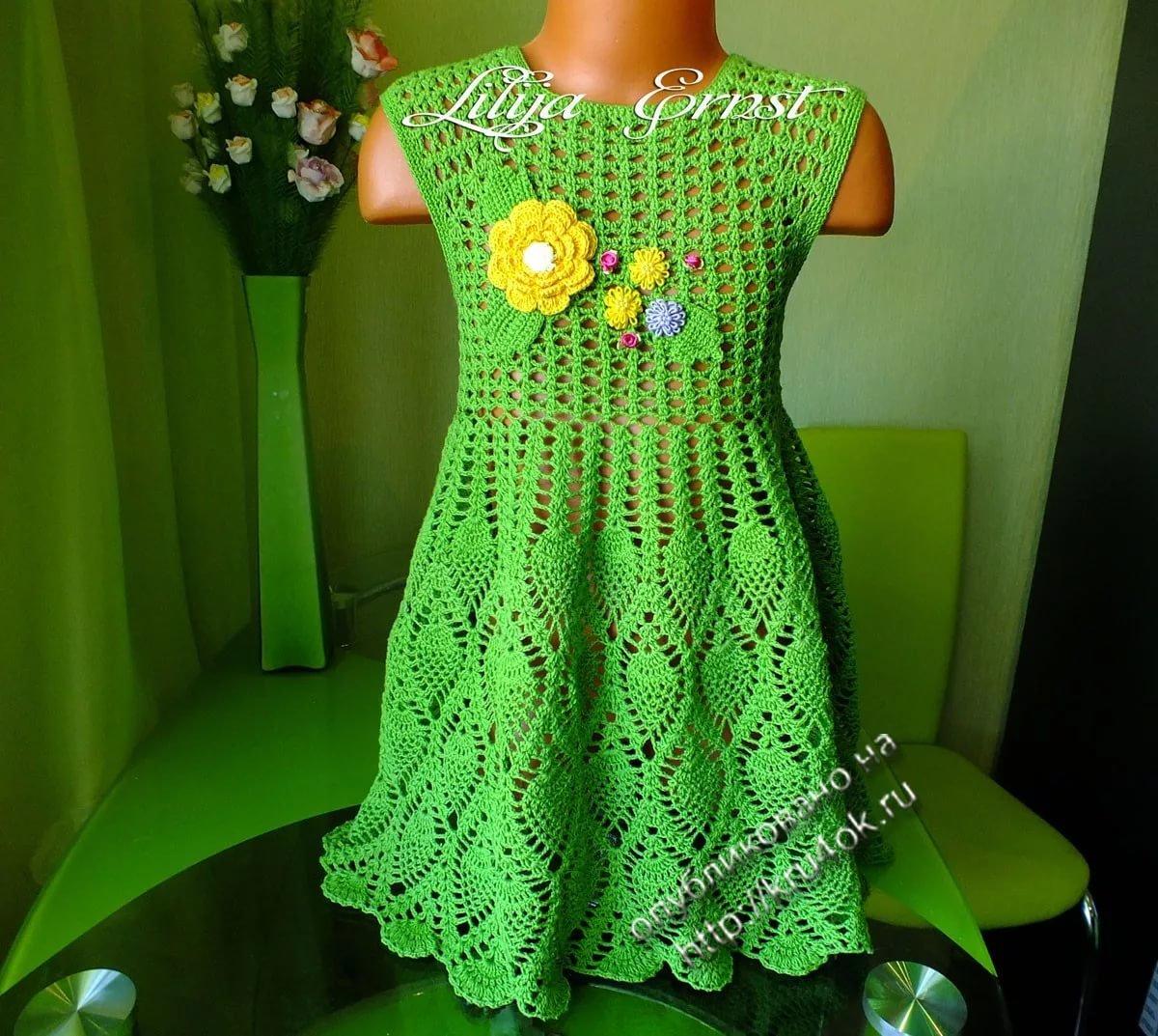 Вязаные детские платья крючком фото и