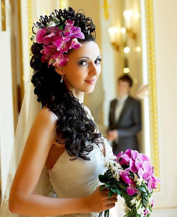свадебные прически на чюрные волосы