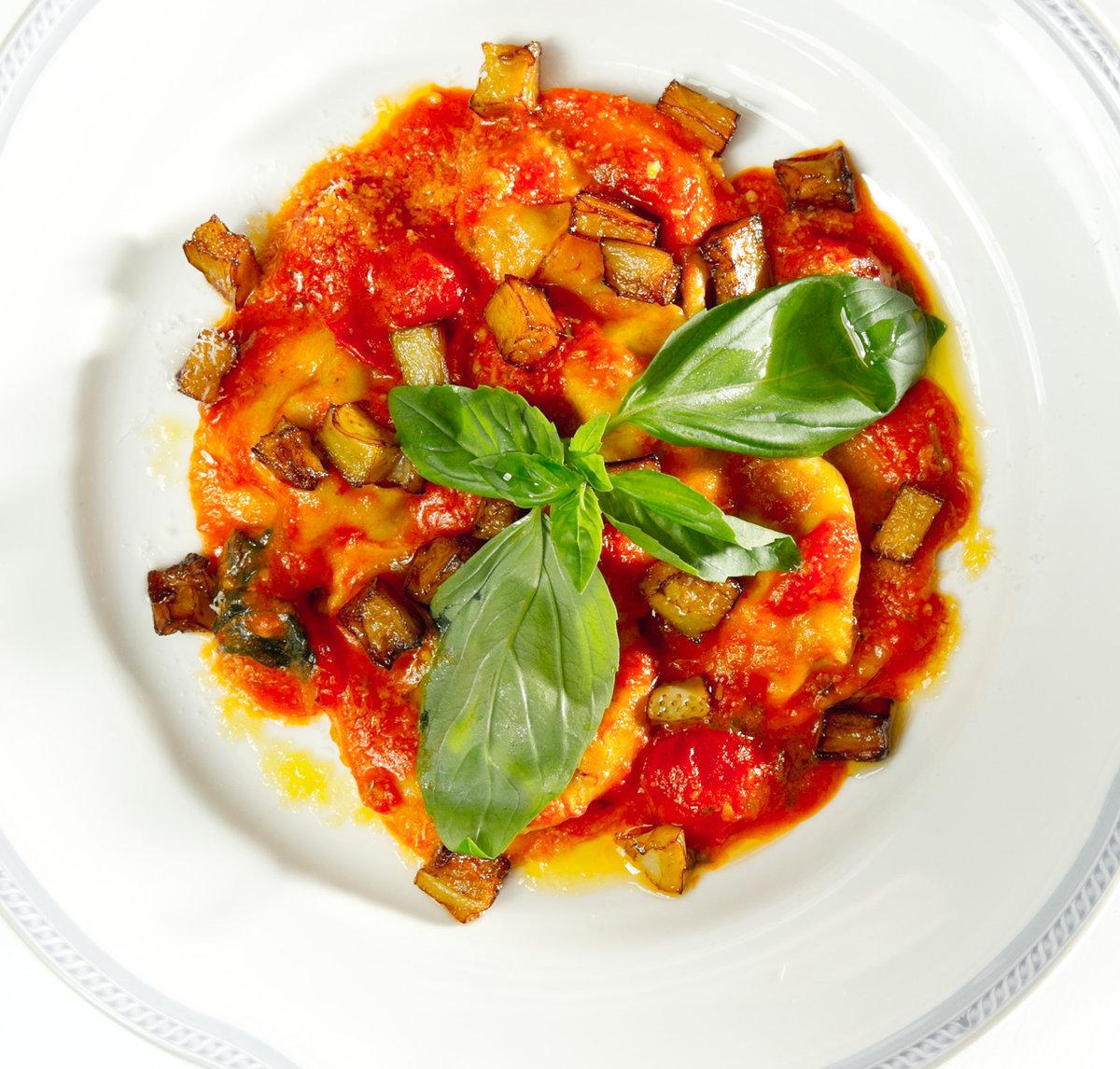 Паста с баклажанами и помидорами рецепт