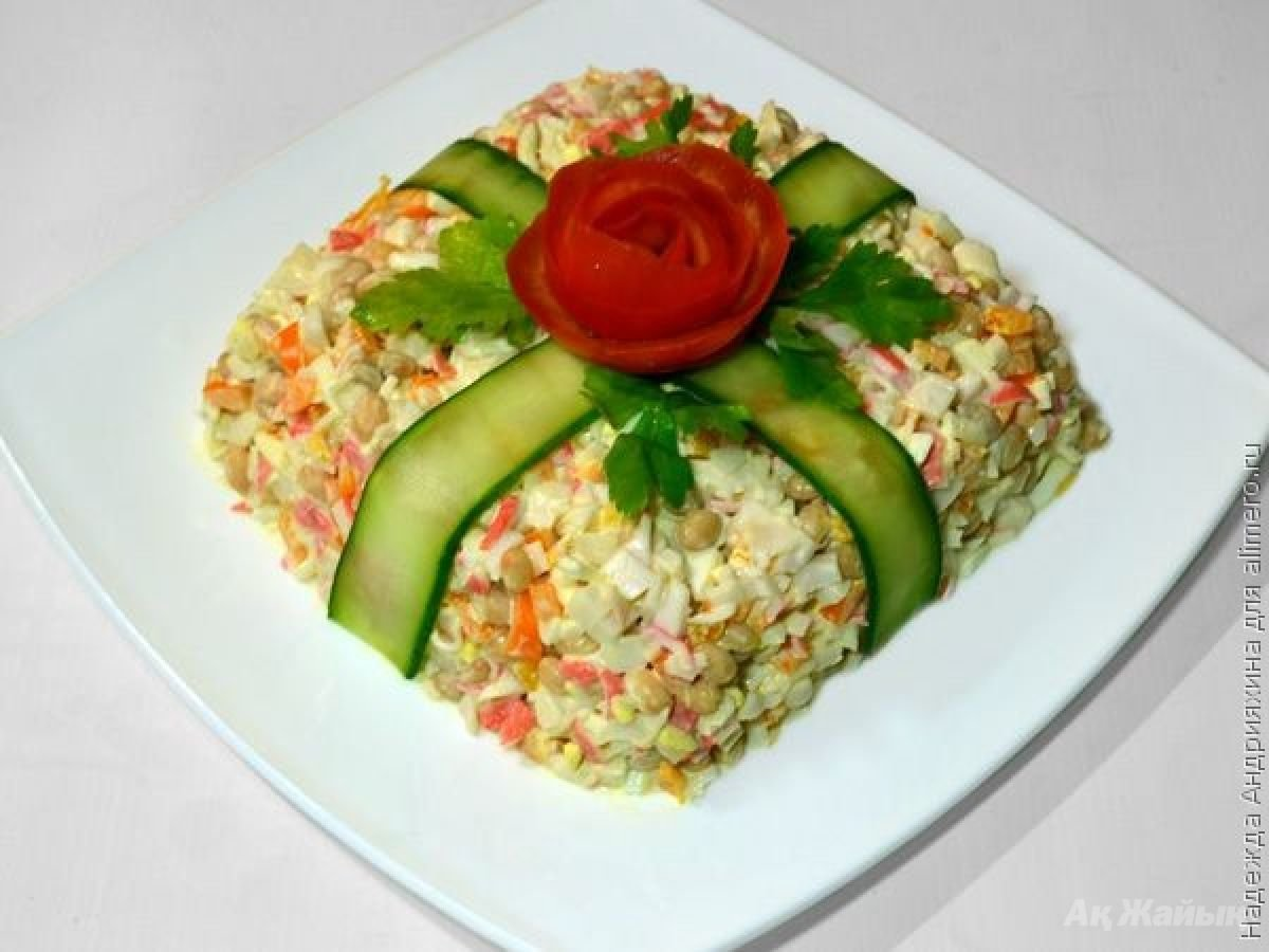 Рецепт салата с печенью трески слоями пошагово