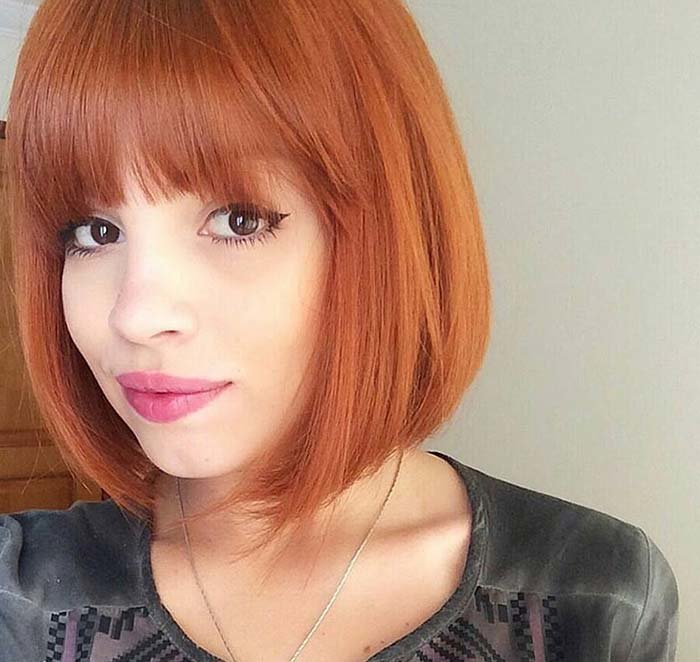 Короткие стрижки с челкой на рыжий цвет волос