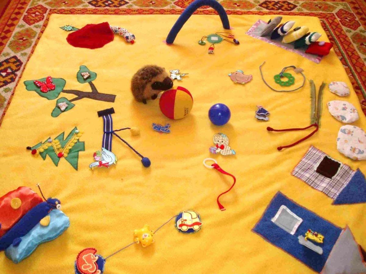 Игрушки 6 месячному ребенку своими руками