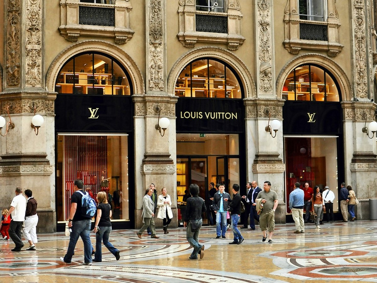 Fashion outlets florence italy 38