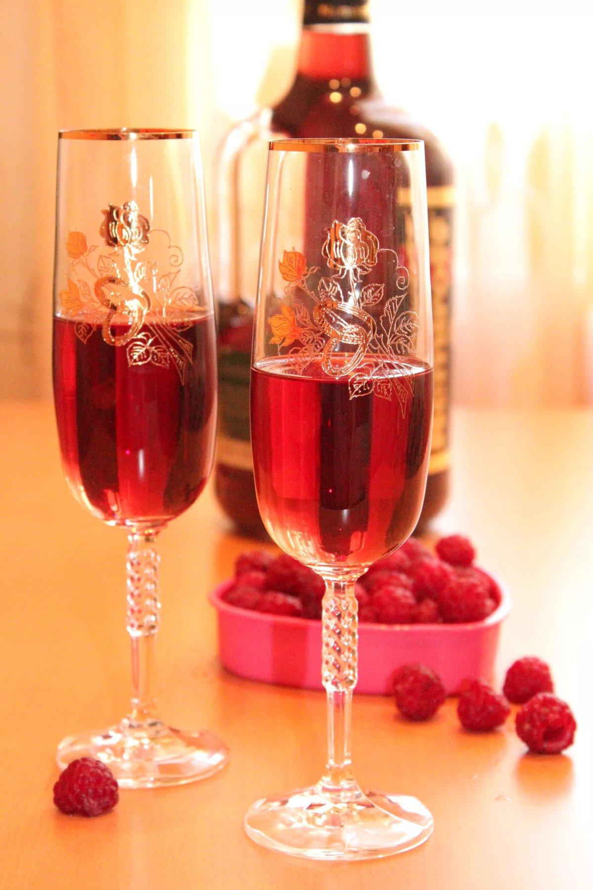 Как сделать малиновое вино - 3 рецепта вина из малины в 54