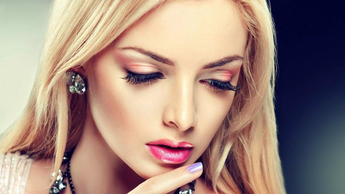 Смотреть видео макияжа для блондинок онлайн 165