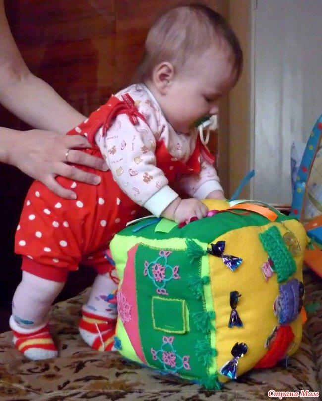Развивающий игрушки своими руками для самых маленьких