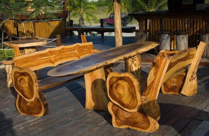 Садовый интерьер из дерева