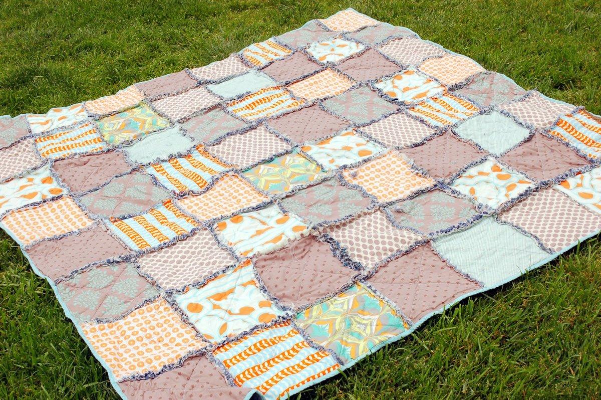 Что сделать из старого одеяла своими руками 96