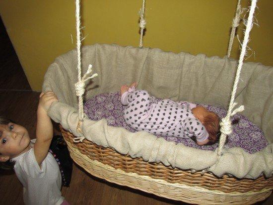 Как сделать детскую кроватку своими руками для новорожденного 97