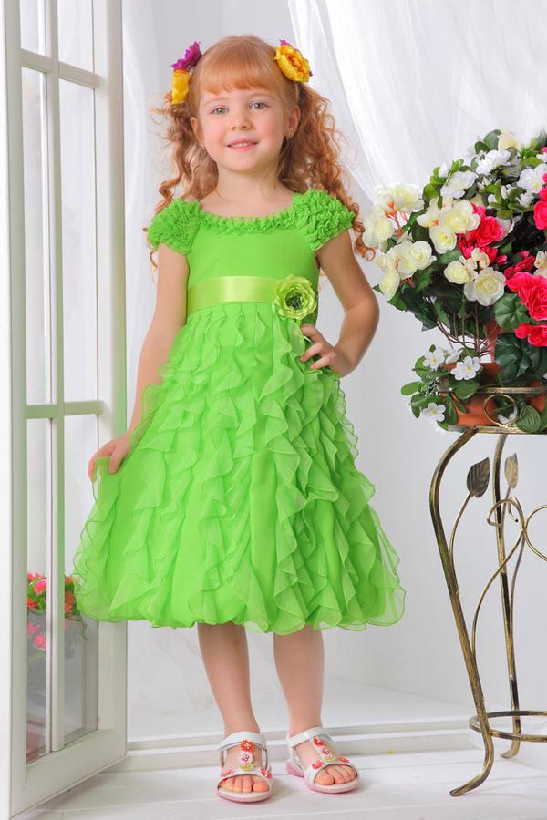 Нарядное платье зеленого цвета