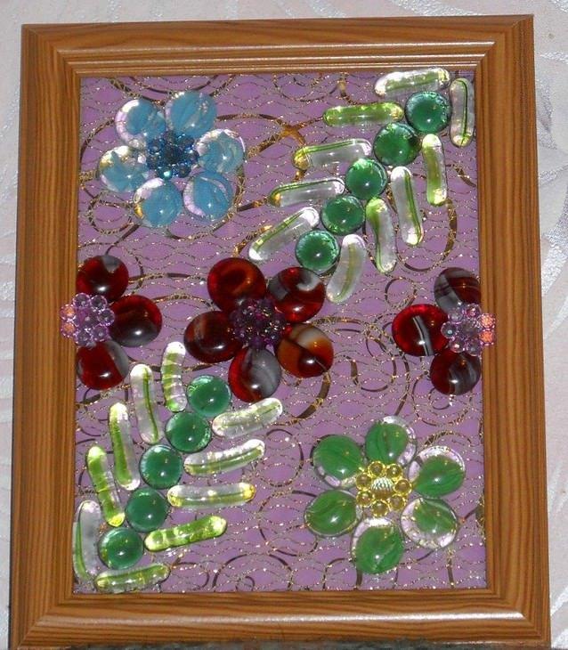 Поделка из цветных камушек 496