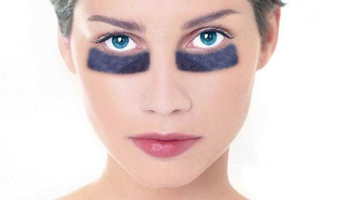 Скрыть опухшие глаза с помощью макияжа