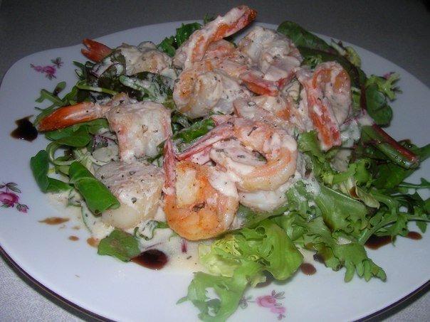 Салат с креветками и гребешками рецепт
