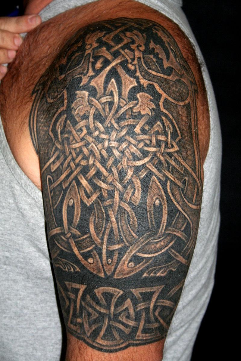Славянские тату на плечо для мужчин 158