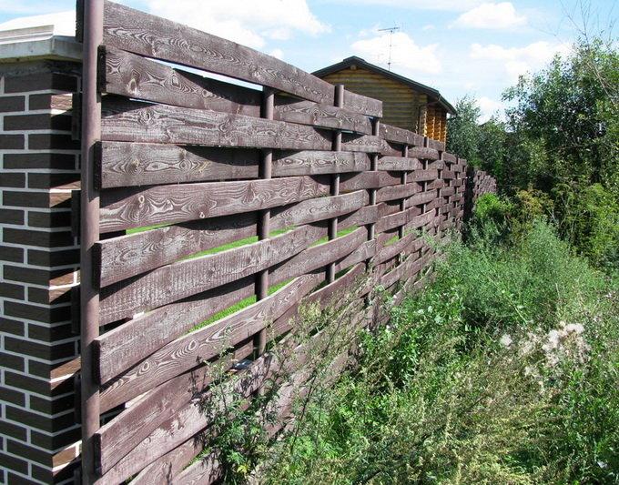 Забор плетенка из доски своими руками 20