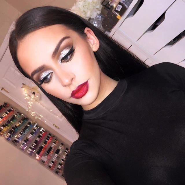 Макияж для черного платья в пол