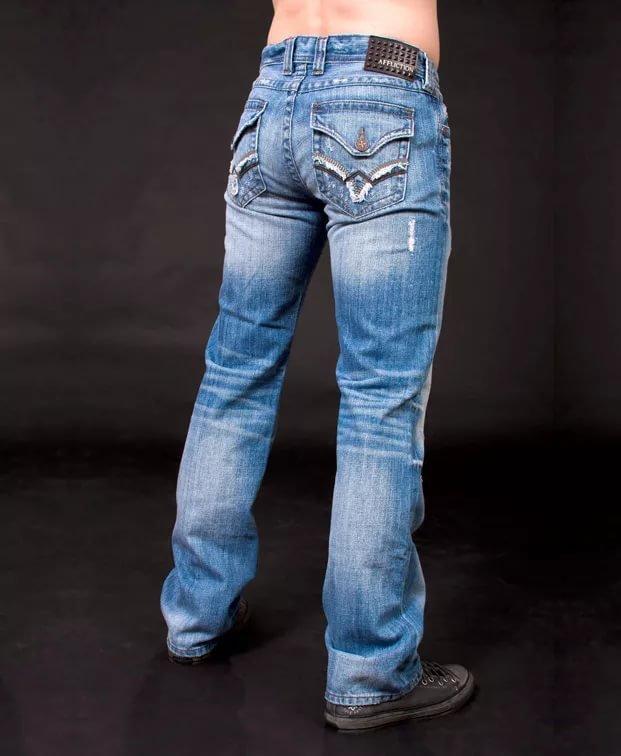 Джинсы с вышивкой на кармане 91
