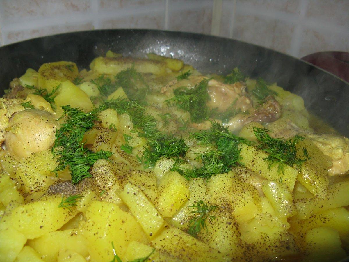 Тушеная картошка с курицей с духовке рецепт пошагово