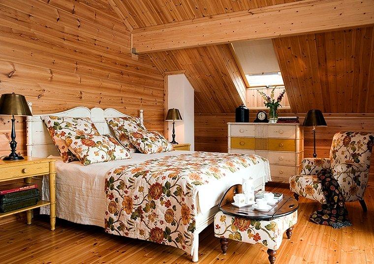 Как украсить комнату в деревянном доме своими руками 76