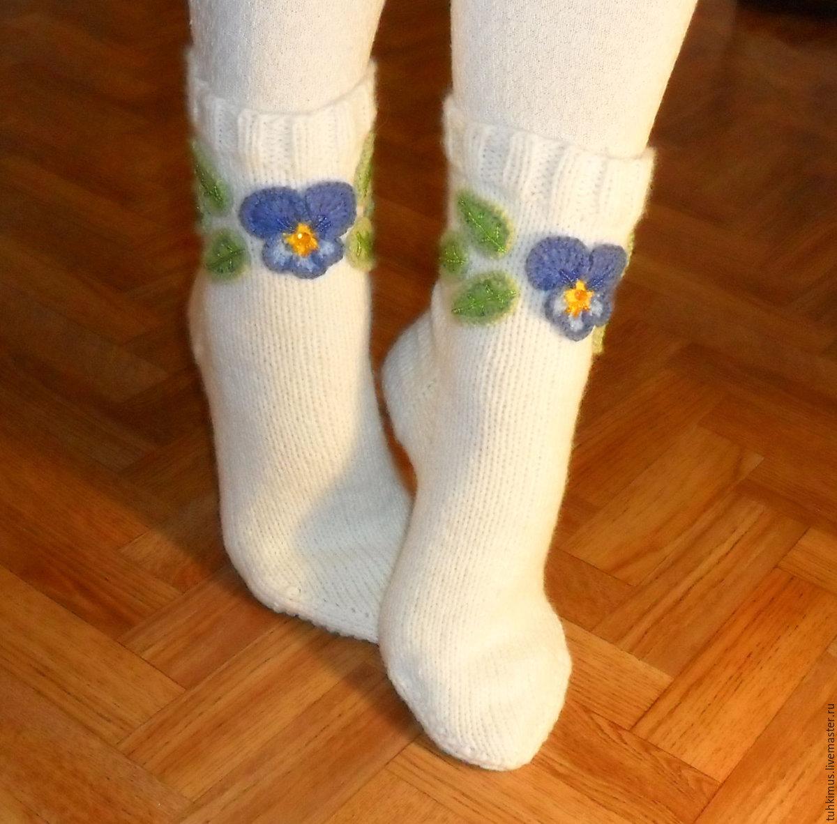 Носки с вышивкой бисером 65