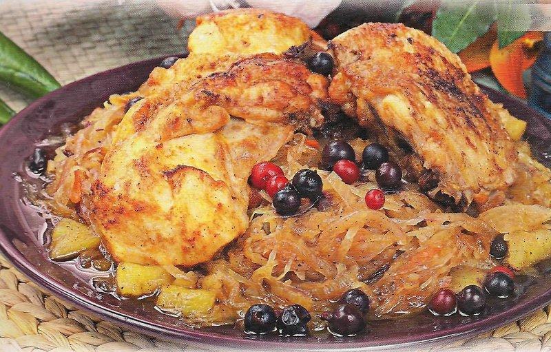 Тушеная курица с капустой