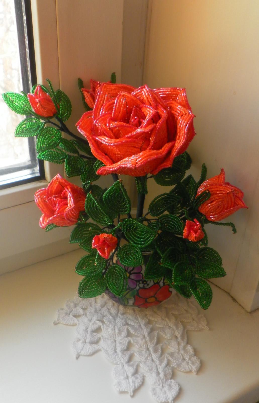 Цветы из бисера мастер класс с пошаговым розы