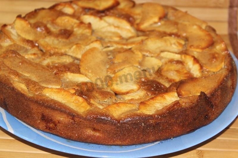 Пирог с яблоками простой рецепт с фото пошагово