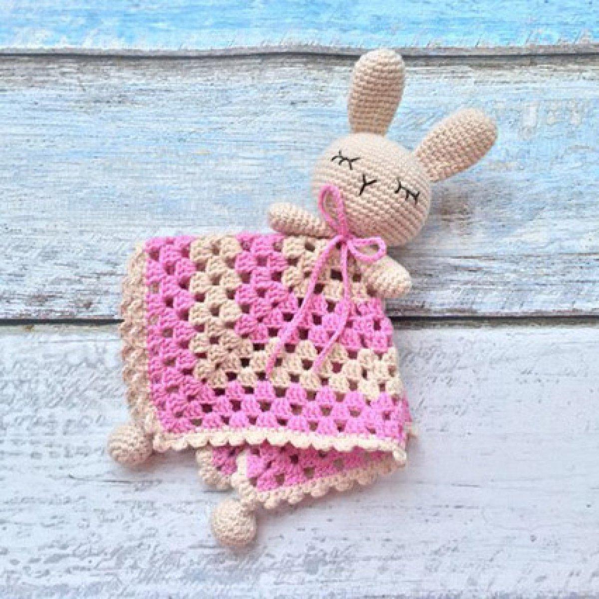 Вязание игрушек для новорожденных крючком 50