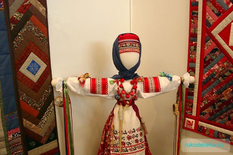 Красивая народная кукла своими руками 95