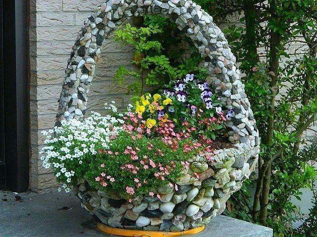 Как сделать корзинку из камней для сада