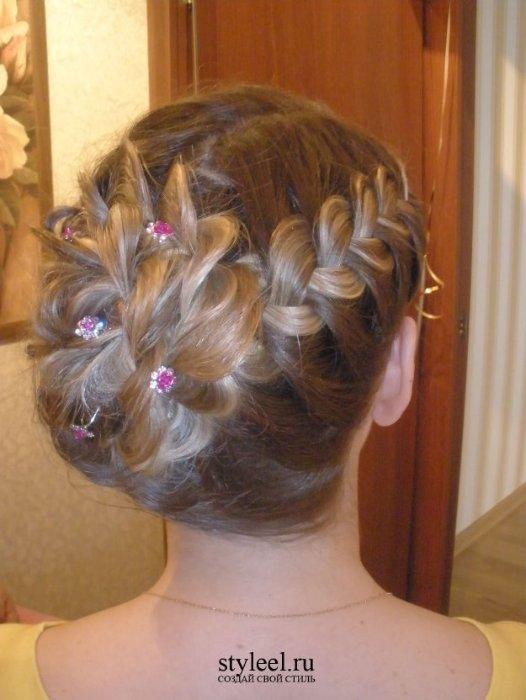 Прически с плетением на длинные волосы для девочек фото