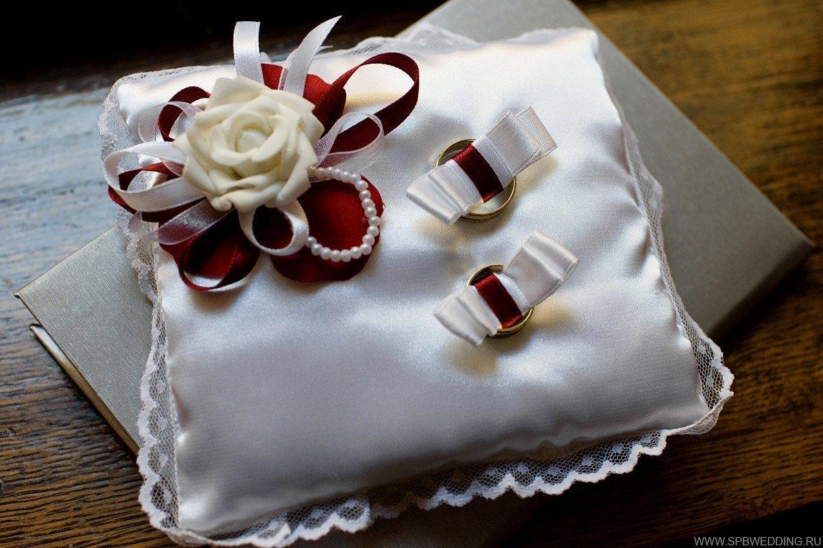 Подушечка для свадебных колец. сделано своими руками