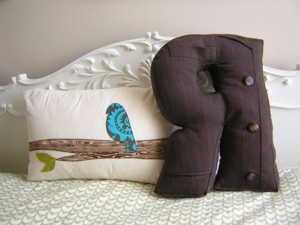 Как сшить подушку букву вручную 7